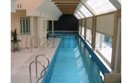 Лестницы из нержавеющей стали для бассейна