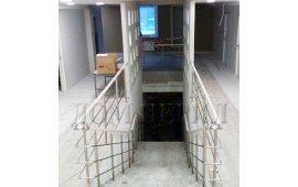 Ограждения из полированной нержавеющей стали и ПВХ поручня для медицинского центра, г. Москва